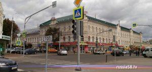 Светофор на пересечении улиц Бакунина и Московской