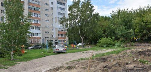 Территория рядом с домом №2 на улице Леонова. Фото администрации города Пензы