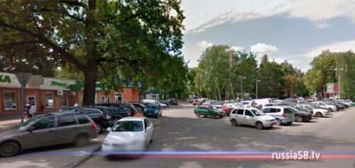 Парковка на улице Лермонтова