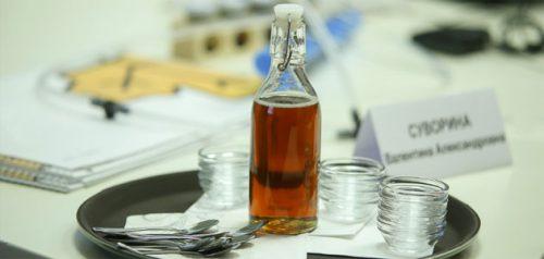 Кленовый сироп. Фото пресс-службы правительства Пензенской области