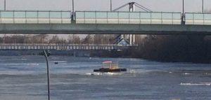 Фрагмент понтонного моста. Фото очевидца