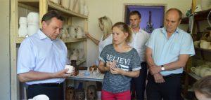 Депутаты в мастерской «Капля солнца». Фото пресс-службы Пензенской городской думы